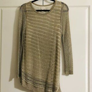 NWOT: Chico's Shine Detail Amelie Pullover Too